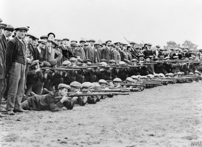 Recruits to the Grimsby Chums, later the 10th Battalion The Lincolnshire Regiment, at rifle drill during their training. (c) IWM (IWM Q 53286).