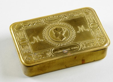 Decorative brass tin sent by Princess Mary to troops serving and Christmas 1914. Image (c) East Riding Museum Service