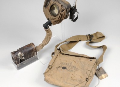 Box respirator with its canvas bag. (c) Hull Museums.
