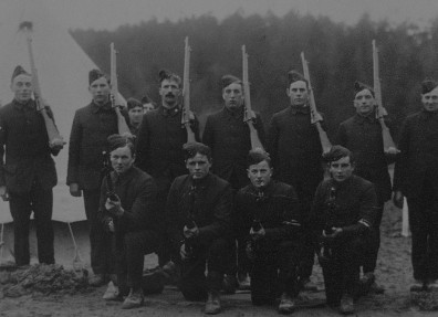 Volunteer soldiers in 1914, probably taken at Brocklesby Park, Grimsby. (c) North Lincolnshire Museum Service.